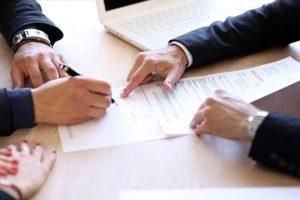 Réussir son premier emploi : les différents types de contrats de